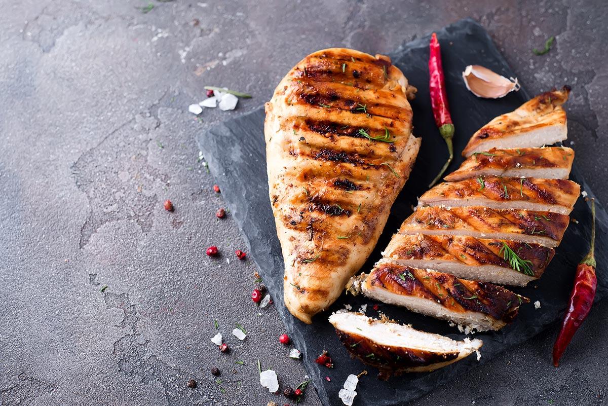 Сколько калорий в куриной грудке?