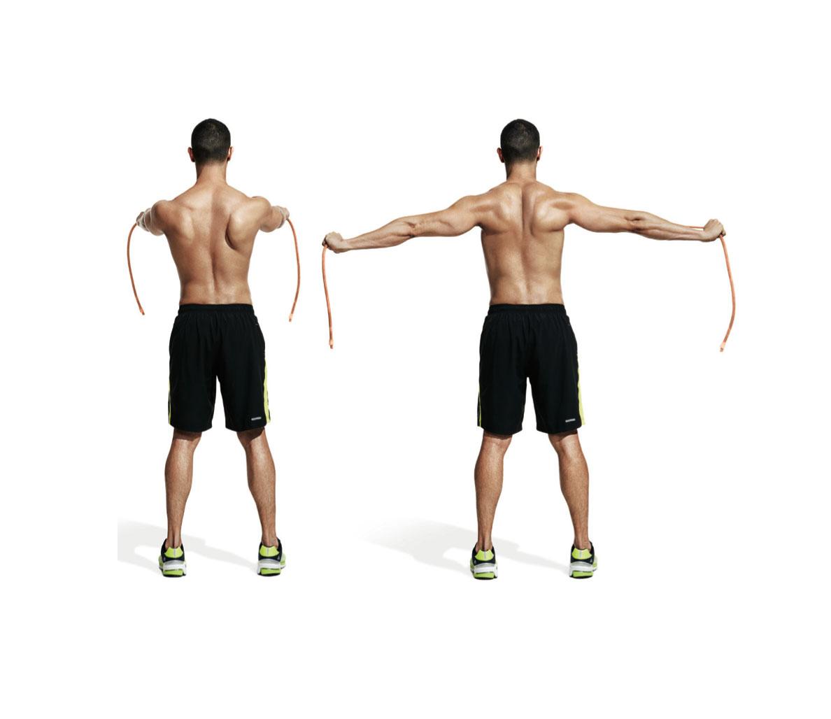Упражнения с резинками на грудь