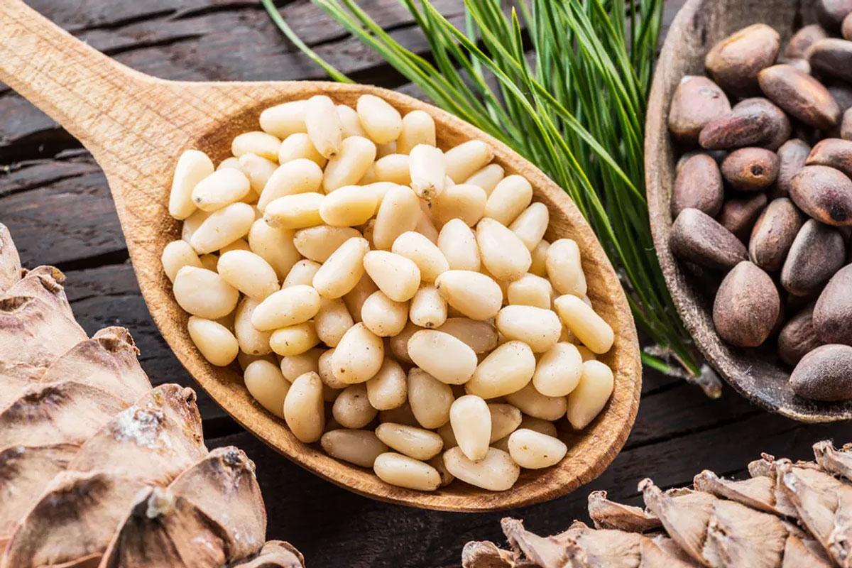 Продукты с магнием —кедровые орехи