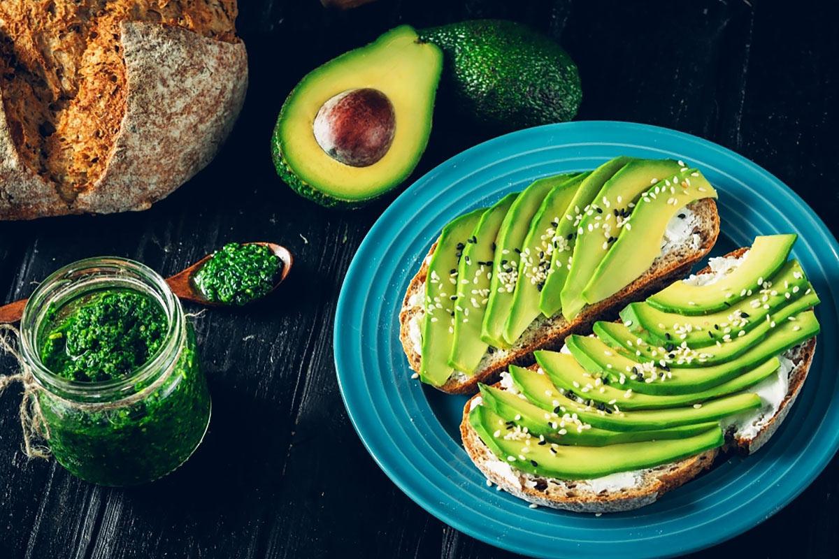 Завтрак для похудения —авокадо