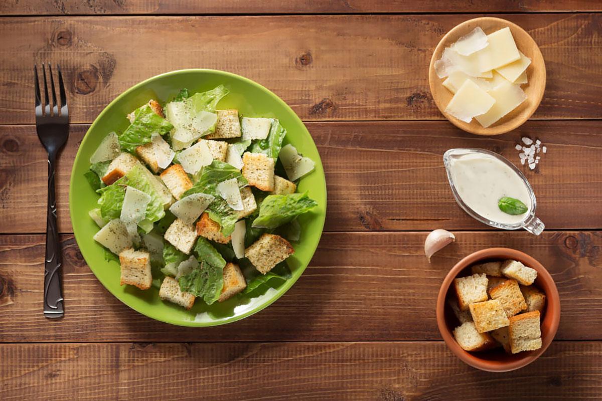 Классический салат Цезарь —рецепт