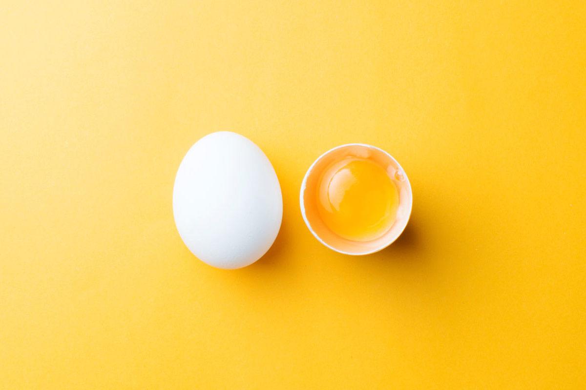 Яичный желток — полезные свойства