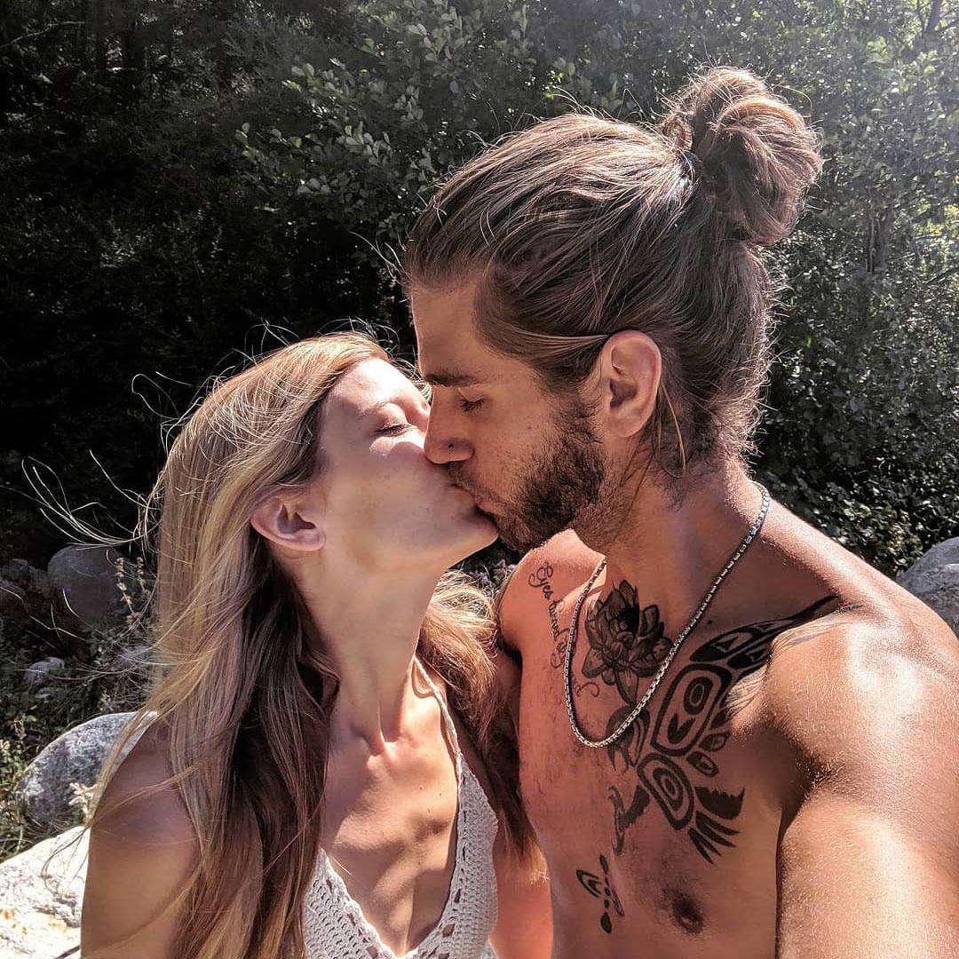 Длинные волосы у парней
