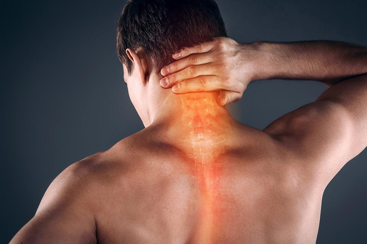 Почему болит шея после тренировки