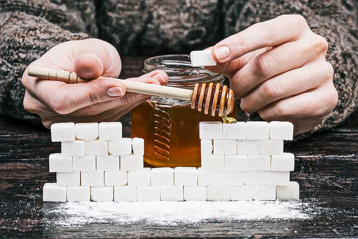 Сколько сахара в меде