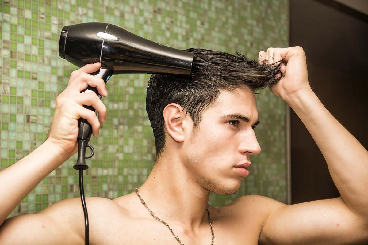 Укладка мужских волос феном