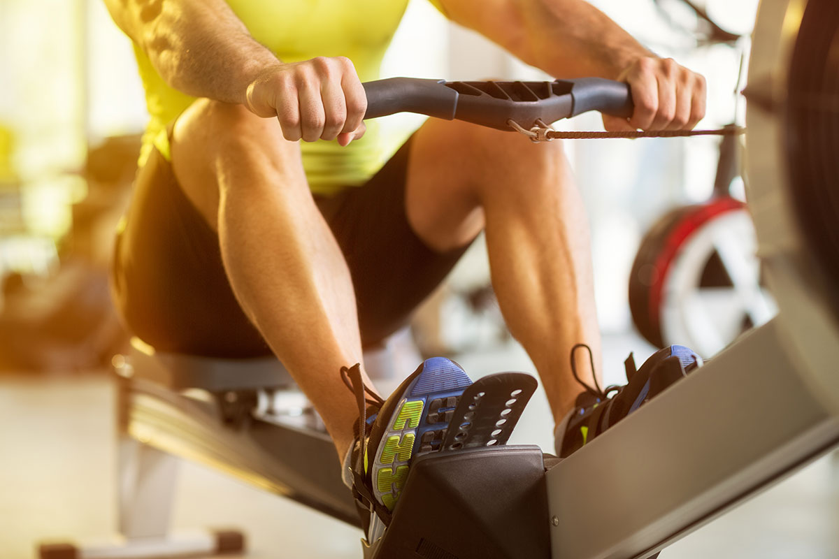 Гребной тренажер — пример кардио упражнений